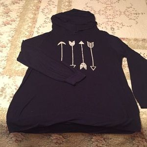 Tops - Hooded long sleeved shirt